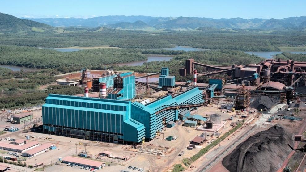 Samarco fecha acordo final para atingidos pelo rompimento da barragem