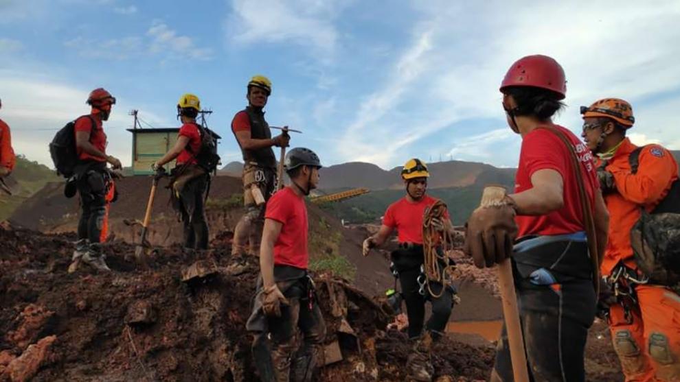 Bombeiros em Brumadinho são os heróis da vida real