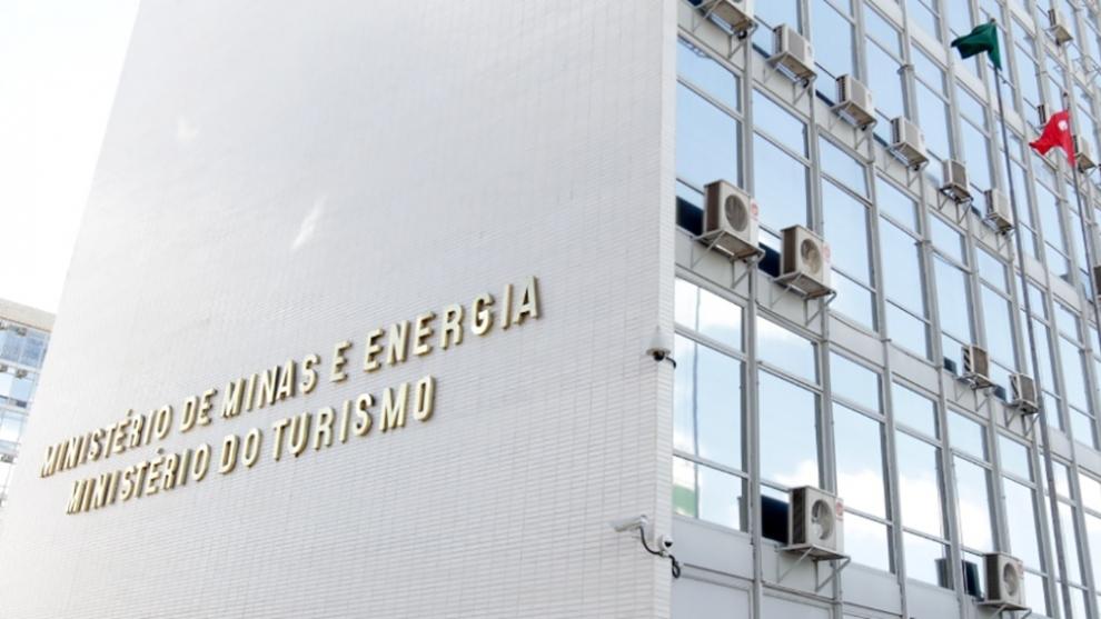 Ministério tira poder da ANM e abre espaço para revisar normas