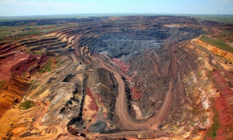 A miséria da indústria de minério de ferro no Brasil, um boom para grandes mineradoras australianas