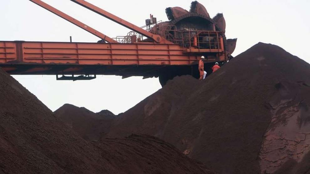 Minério de ferro sobe e toca novo recorde na China com otimismo sobre demanda