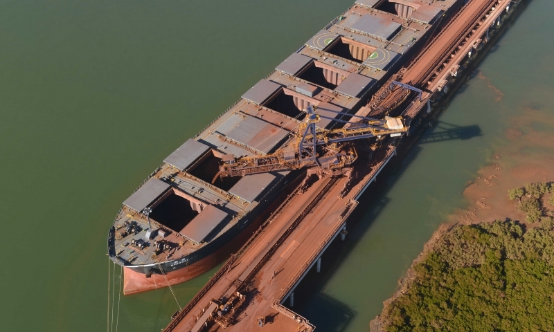Minério de ferro tem forte valorização de 3,34% com otimismo com acordo comercial