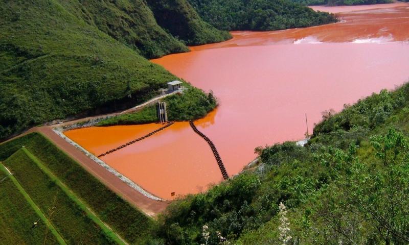 Considerações sobre o Balanço Hídrico de Barragens de Rejeitos