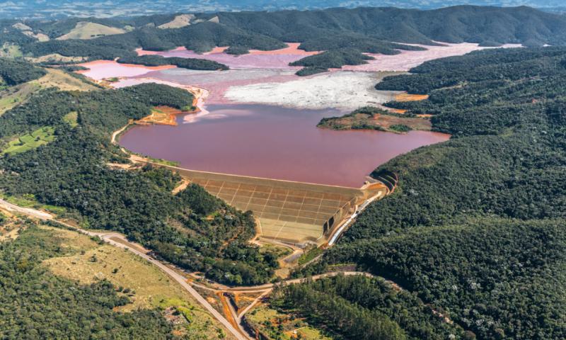 AngloGold vai investir R$ 1,6 bilhão para desativar barragens no Brasil